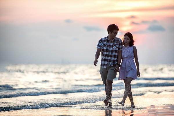 море и влюбленные
